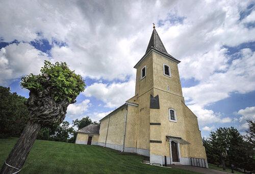 domoszlo-templom-2
